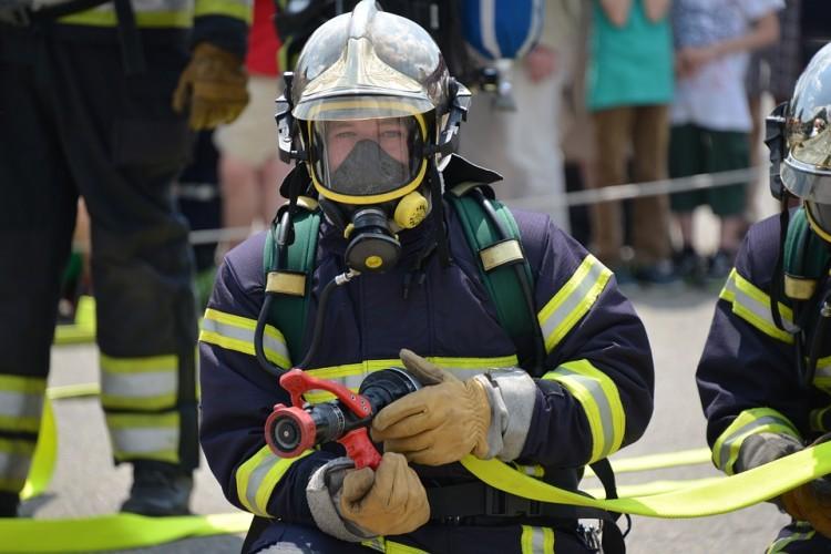 Ulatniający się gaz na klatce schodowej – raport nowodworskich służb mundurowych.