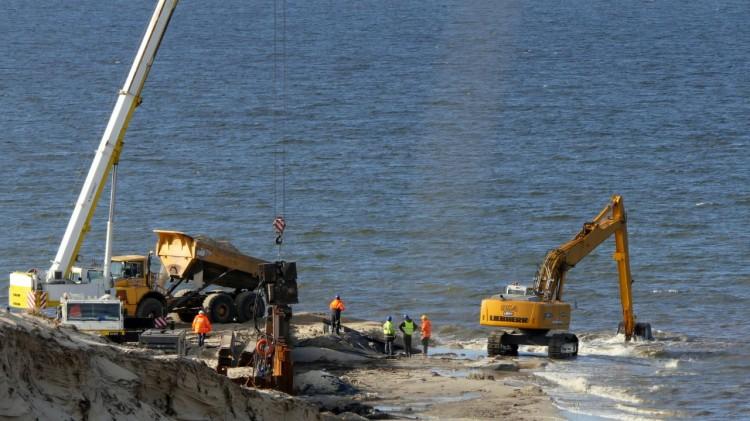 Budowa drogi wodnej łączącej Zalew Wiślany z Zatoką Gdańską. Aktualny stan terenu inwestycji - marzec 2020 [zdjęcia, wideo]