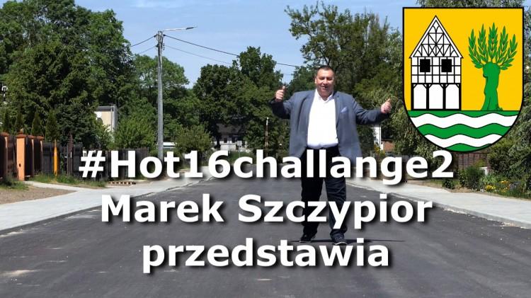 Wójt Starego Pola, Marek Szczypior rapuje dla medyków.