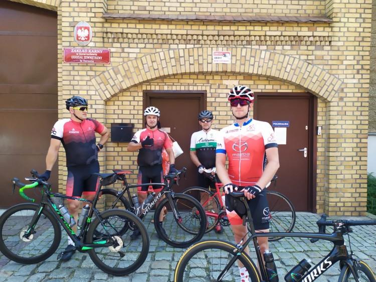 """W ciągu 22 godzin przejechali """"Rowerem dla Mai"""" ponad 500 km."""