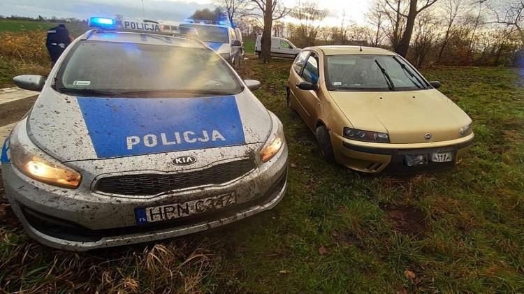 Nowy Dwór Gdański. Policyjny pościg ulicami miasta. Kierowca i pasażerowie pod wpływem narkotyków.