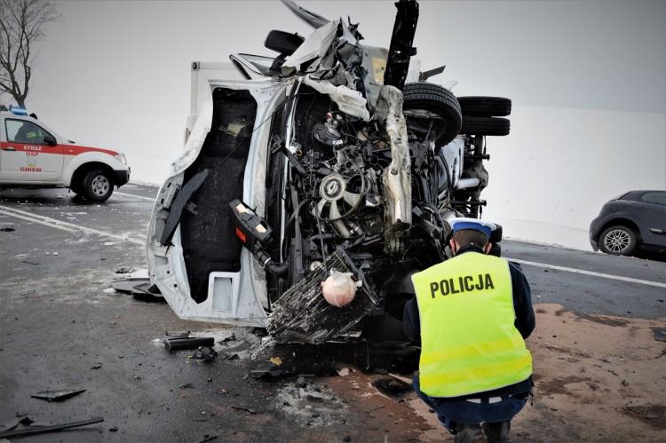 DK91. W zderzeniu osobówek zginęły dwie osoby.