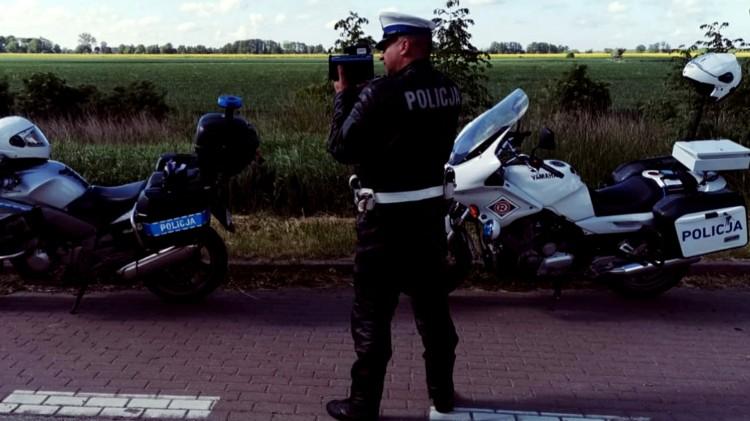 """Nowy Dwór Gdański. Policyjna akcja """"Jednośladem bezpiecznie do celu""""."""