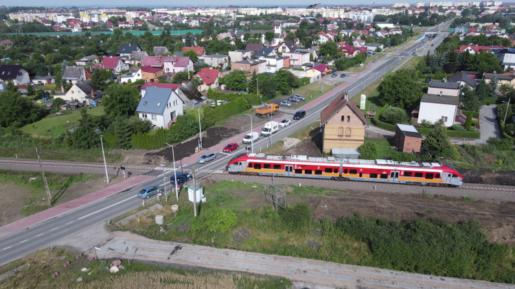 Malbork-Kwidzyn. Sygnalizacja uszkodzona, szlabany nie działają – uważajcie na kursujące pociągi.
