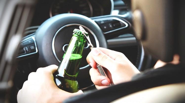 Malbork. Jazda na podwójnym gazie i z sądowym zakazem prowadzenia.