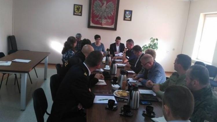 Gmina Stegna : Analiza i ocena zagrożeń w sezonie letnim tematem posiedzenia…