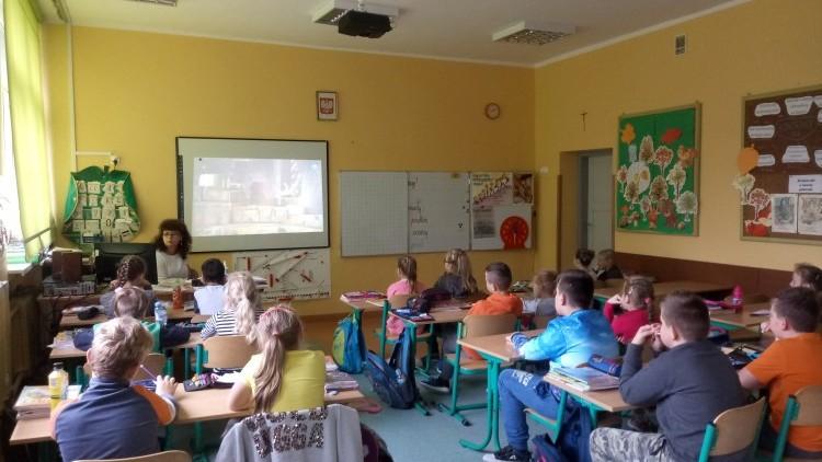 Drewnica: Teatr TVP w Zespole Szkolno - Przedszkolnym. - 17.10.2017