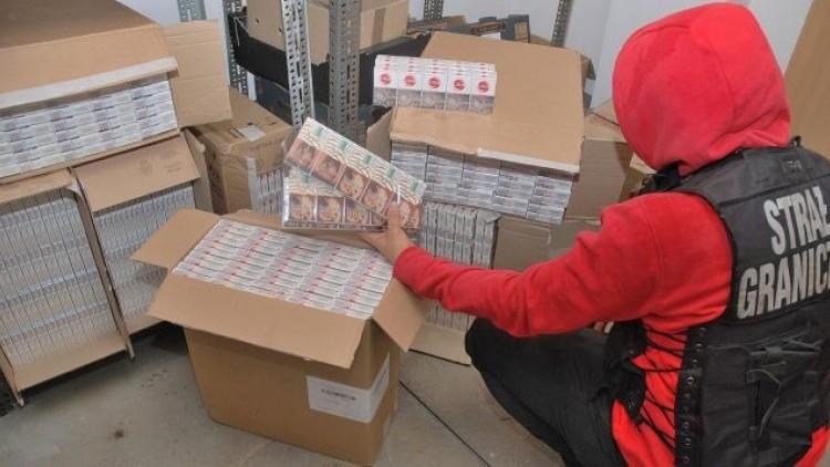 120 tysięcy nielegalnych papierosów za ponad 82 tysiące złotych. 60-letni…