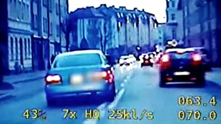 """""""Amerykański"""" pościg w Elblągu. 17- latek uciekał kradzionym autem.…"""