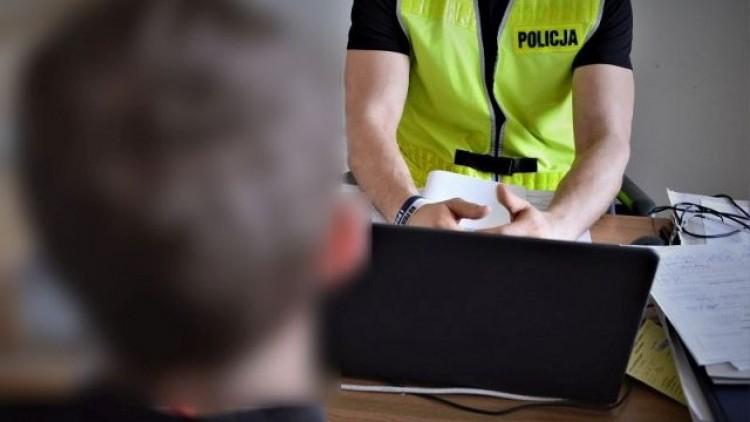 Pijany 18-latek z powiatu malborskiego zatrzymany za dewastacje toalety.