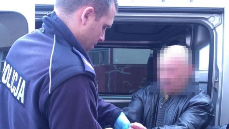 Gmina Stegna: 4 kłusowników w rękach policji. Jeden poszukiwany listem…