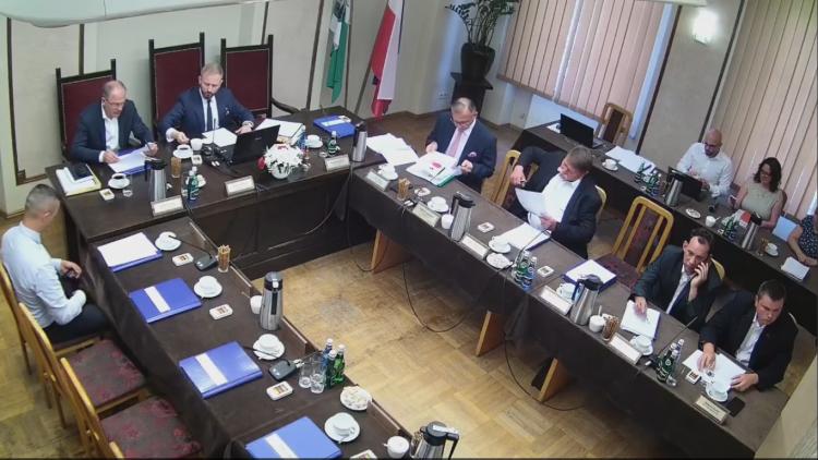 V sesja Rady Powiatu w Nowym Dworze Gdańskim. Zobacz na żywo.